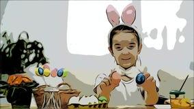 Den lilla gulliga och förtjusande flickan är le och spela med färgrika hönas ägg i hans händer Begreppspåskferie lager videofilmer