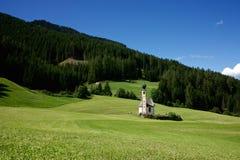 Den lilla kyrkan av St John av Nepomuk i södra Tyrol Arkivbilder