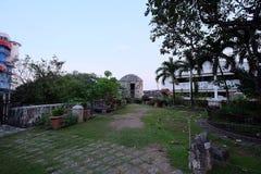 Den lilla trädgården på överkanten av fortet San Pedro, Cebu stad, Filippinerna Royaltyfri Bild