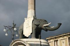 Den Liotru elefantskulpturen, symbol av Catania i Sicilien royaltyfri bild