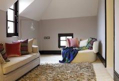 Den livliga loftsovrumfärgen Royaltyfri Fotografi