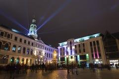 Den ljusa festivalen Staro Riga (som strålar Riga) som firar anniver Royaltyfri Bild