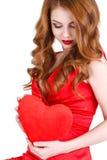 Den ljusa härliga kvinnan på St-valentin dag Royaltyfri Bild
