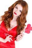 Den ljusa härliga kvinnan på St-valentin dag Royaltyfri Foto