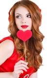 Den ljusa härliga kvinnan på St-valentin dag Arkivbild