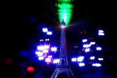 Den ljusa måla-Kortkortet står hög Eiffel Royaltyfria Bilder