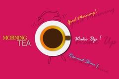Den ljusa teaen kuper med en hoad drink Royaltyfria Foton