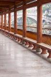 Den långa korridoren i forntida vattenstad Arkivbild