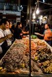Den lokala marknaden av Vucciria i Palermo, Sicilien royaltyfria foton
