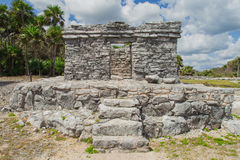 den lokaliserade mayan mexico halvön fördärvar tulumen yucatan gammal stad Tulum Archaeological plats Riviera Maya mexico Arkivfoto