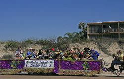 Den lokalUkele klubban sammanfogar den barfota Mardi Gras Parade Arkivbilder