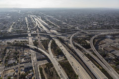 Den Los Angeles motorvägen utbyter antenn Royaltyfria Foton