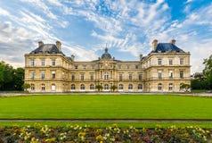 Den Luxembourg slotten, Paris, Frankrike Royaltyfria Bilder