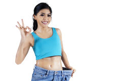 Den lyckade kvinnan förlorar vikt Royaltyfri Bild