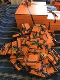 Den lyckliga apelsinen boxas lindy birkinkelly petith arkivbilder