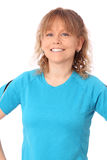 Den lyckliga mogna kvinnan i blå genomkörare beklär känsligt stort Arkivbilder