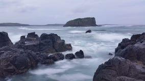 Den lynniga stormen vinkar drömlik Seascape för havet stock video