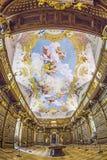 Den lyxiga inre av arkivet i den Melk abbotskloster Royaltyfri Foto