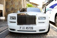 Den lyxiga Rolls Royce limousineet Royaltyfri Bild