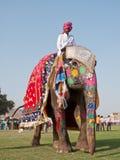 den målade elefanten ståtar Royaltyfri Bild
