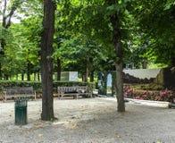 Den målade panelen illustrerar renovering som är kommande i Rodin Museum jordning, Paris, Frankrike Fotografering för Bildbyråer
