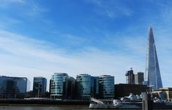 den 306m vinkeln är för london för landmarken för hdr för eu för byggnadskonstruktion willen för skyen den nya scrapper skärvan s Arkivfoton