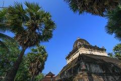 Den Makmo stupa, Wat Wisunalat, Luang Prabang, Laos Royaltyfri Fotografi