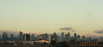 Den Manila horisonten på solnedgången Arkivfoton