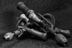 Den manuella handdrillborren bearbetar tappning Fotografering för Bildbyråer
