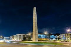 Den Marconi obelisken, i EUR-området, Rome, Italien Arkivfoton