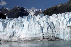 Den Margerie tidvattenglaciären med monteringen rotar i baksidan, Alaska Royaltyfri Fotografi