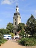 Den marknadsfyrkanten och townen kyrktar i Genthin, Tyskland Arkivfoto