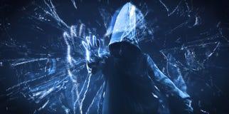 Den med huva en hacker för mörk rengöringsduk arkivbild