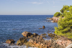 Den medelhavs- kusten Arkivfoton