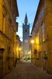 Den medeltida byn av Falerone i Italien Royaltyfri Bild