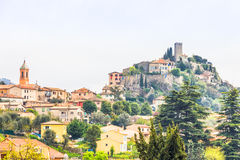 Den medeltida byn av Tourrette-Levens royaltyfria bilder