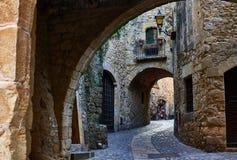 Den medeltida byn av vänner girona spain Arkivbild
