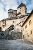 Den medeltida Orava slotten, Slovakien royaltyfri fotografi
