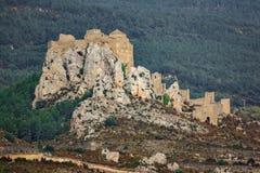 Den medeltida slotten av Loarre över vaggar Royaltyfri Bild