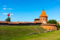 Den medeltida slotten i Kaunas Arkivfoto
