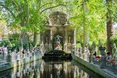 Den Medici springbrunnen i den Luxembourg trädgården, Paris royaltyfria foton