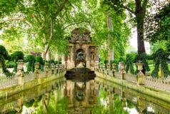 Den Medici springbrunnen, Paris, Frankrike Royaltyfria Foton