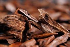 In den meisten arabischen Ländern ist bukhoor der Name, der zu duftenden Ziegelsteinen oder zu Holzspänen gegeben wird Stockbild