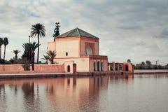 Den Menara slotten i Marrakech i Marocko Royaltyfria Bilder