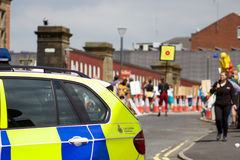 Den mer polisen som ankommer på anti--Frackingprotesten i Preston Arkivfoton