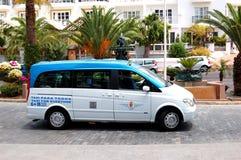Den Mercedes-Benz Viano minivan tjänar som som en taxa Fotografering för Bildbyråer