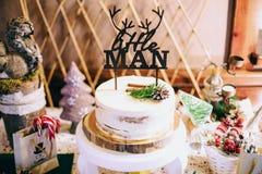Den mest härliga och mest läckra kakan Bröllop födelsedag Möhippa royaltyfri fotografi