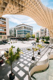 Den Metropol slags solskydd är en trästrukturen lokaliserade Plaza de la Encar Arkivfoton
