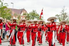 Den mexicanska flöjtmusikbandet ståtar Royaltyfria Bilder