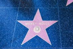 Den Mickey Mouse stjärnan på Hollywood går av berömmelse royaltyfria bilder